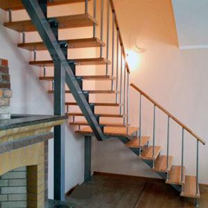 П-образная лестница на второй этаж своими руками 53